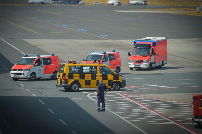 Hulpdiensten zijn uitgerukt naar de luchthaven om assistentie te verlenen.