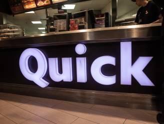 Man geeft in hamburgerrestaurant klappen aan oude rivaal, die hem 14 jaar geleden neerstak