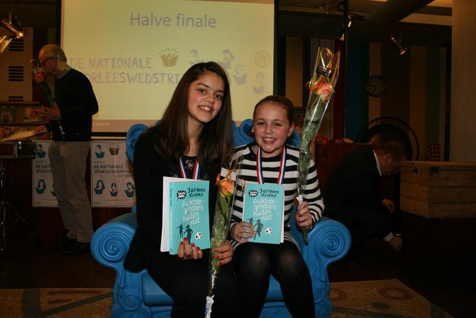 De winnaars van de regiofinale: Lisa Knol (rechts) en Johanna van den Berg.