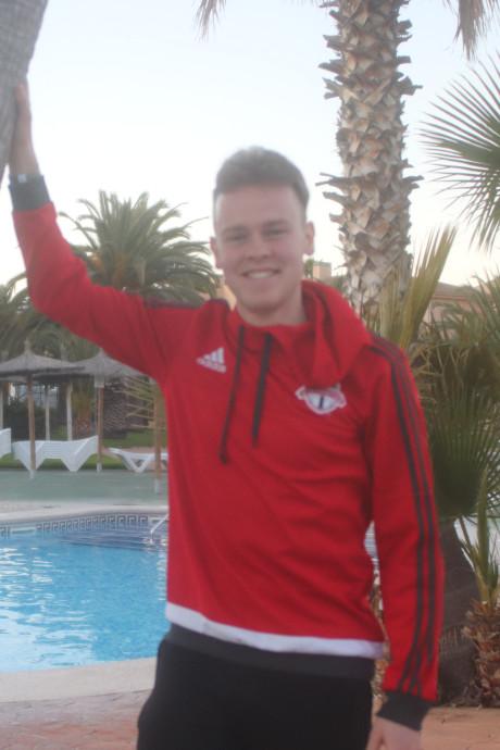 VVGZ'er Maurice Vermeulen geniet van teambuilding onder de palmbomen