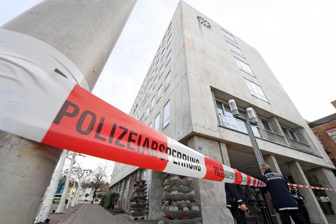 Politie bij het stadhuis van Gaggenau