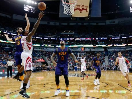 Williams steelt de show bij Rockets