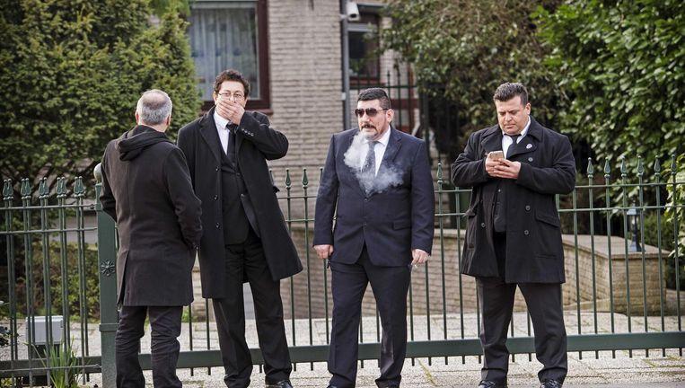 en delegatie Turkse beveiligers uit Duitsland arriveert bij de ambtswoning van de Turkse consul in Rotterdam. Beeld anp