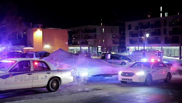 Politie bij de moskee in Quebec. Beeld AP