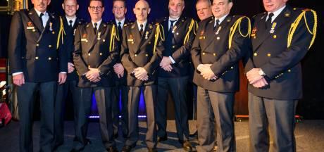 Negen Koninklijke onderscheidingen voor jarenlange inzet bij brandweer Oss