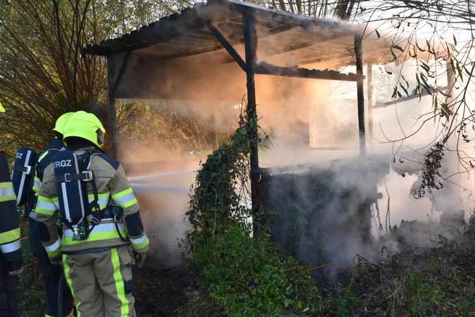 Schuurtje in brand in Bruchem.