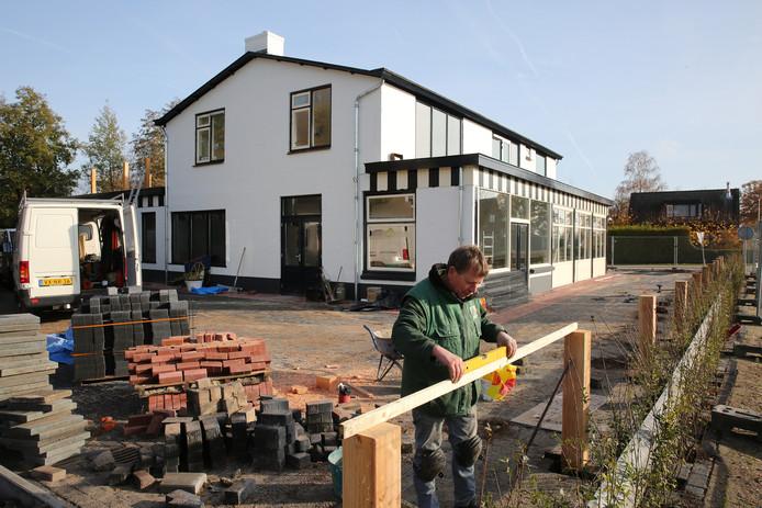 De werkzaamheden bij het nieuwe Wegrestaurant de Kar zijn in volle gang.