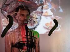 Eens een Zeeuw: Ko de Kok taoeëert als onderdeel van het kunstenaarschap