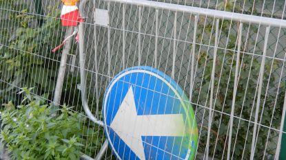 Nieuw pad tussen sporthal en voetbalparking KSK Maldegem