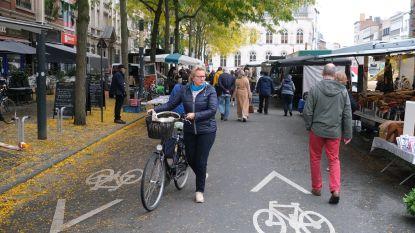 Meteen 4 boetes voor fietsers die niet afstappen tijdens wekelijkse markt