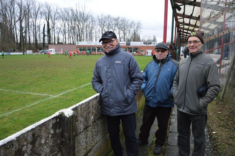 Supporters Jan Janssens, Roger De Smet en Herman Temmerman zijn elke wedstrijd van K.R.C. Haaltert op post.