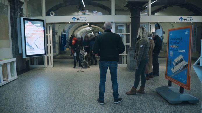 Een voorbeeld van zo'n actie, aan het Sint-Pietersstation.