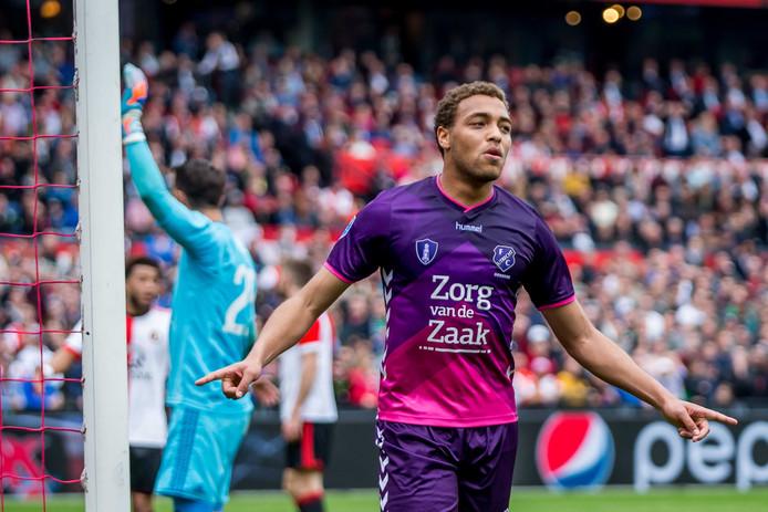 Dessers juicht na zijn goal tegen Feyenoord.