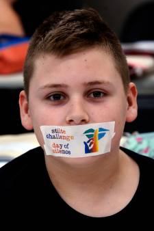 Aandacht voor pesten: leerlingen Fortes College plakken mond dicht