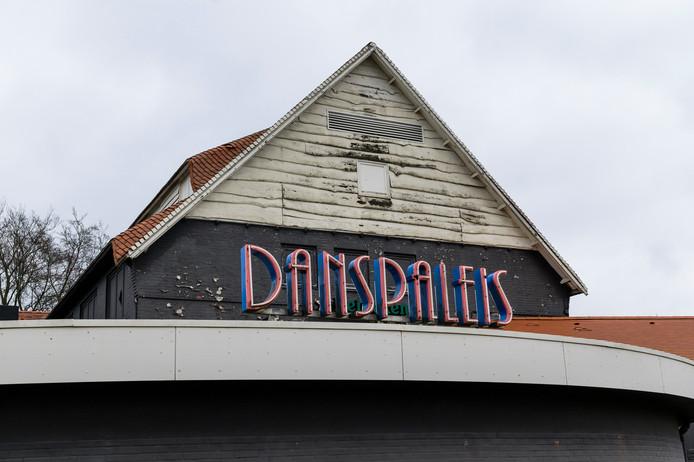 Danspaleis stond tien jaar leeg, maar opent dit jaar onder de nieuwe naam Hou Je Haaks.