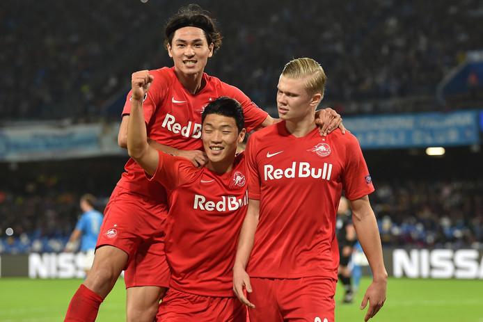 Haaland viert het feest met zijn ploeggenoten.