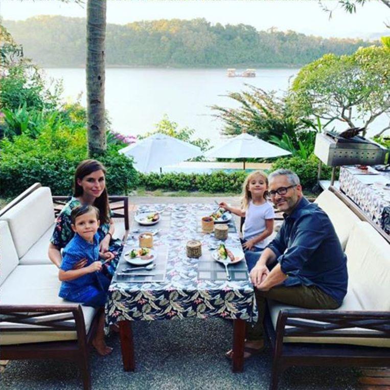 Lien van de Kelder en Hans Herbots genieten samen met hun kinderen nog van een vakantie in Laos.