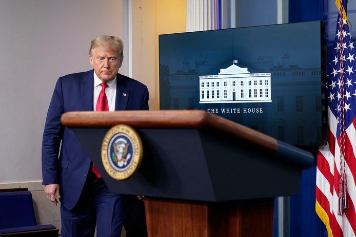 Donald Trump bij een persconferentie in het Witte Huis.
