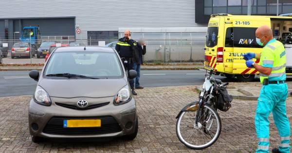 Fietsster ernstig gewond na botsing met auto in Den Bosch.