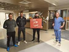Ziekenhuis in Almelo overladen met presentjes: 'Zijn echt overdonderd'