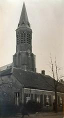 Het huis van koster, organist en kleermaker Johannes Leonardus Schafrat en zijn vrouw Adriana van Eerd, gelegen aan wat toen Heieind heette.