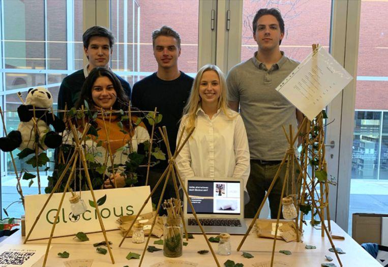 Jan-Karel Enis, Ivana Annaert, Brent Dierick, Morganne Marreel en Pieter Goedgezelschap richten samen 'Glocious' op.