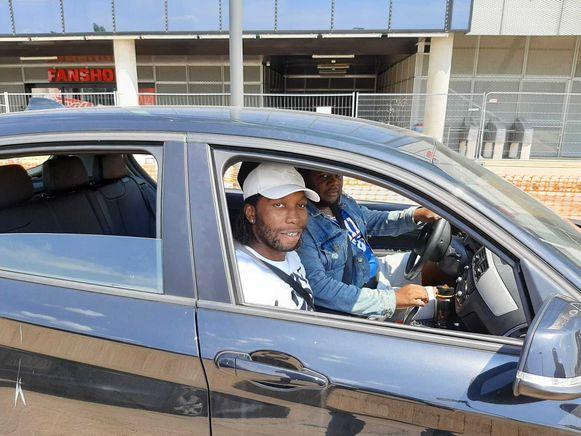 Mbokani tekende vandaag present op de Bosuil voor zijn medische en conditionele tests.