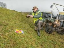 Waterschap Rivierenland inspecteert dijken met quads