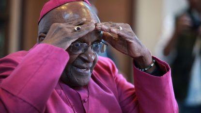 Desmond Tutu stopt als ambassadeur van Oxfam