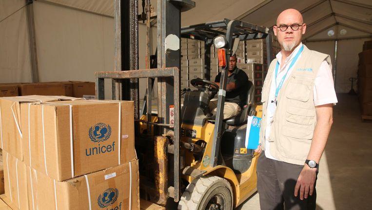 Peter Krouwel. De Amsterdamse logistiek manager van Unicef is gestationeerd in Zuid-Soedan. Hulpgoederen uit Oeganda importeren blijkt een meer dan lastige taak Beeld Unicef