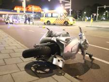 Scooterrijder ernstig gewond na aanrijding