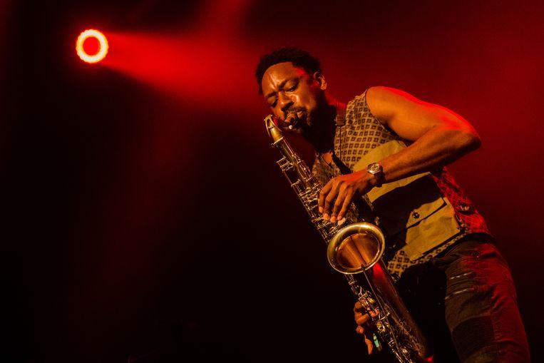 Saxofonist Shabaka Hutchings (Sons of Kemet) tijdens Le Guess Who 2018. Beeld Ben Houdijk