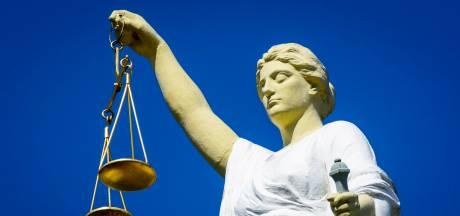 Drietal krijgt in beroep hogere straf voor bijna doodsteken wietklant in Deil