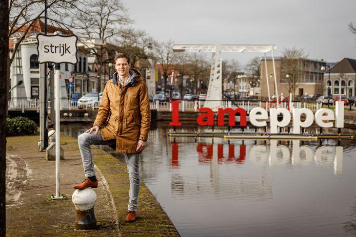 Vincent Oosterkamp kan het niet meer opbrengen om voor verre uitwedstrijden urenlang in de bus te zitten. Hij stopt op 32-jarige leeftijd met voetballen op hoog niveau.