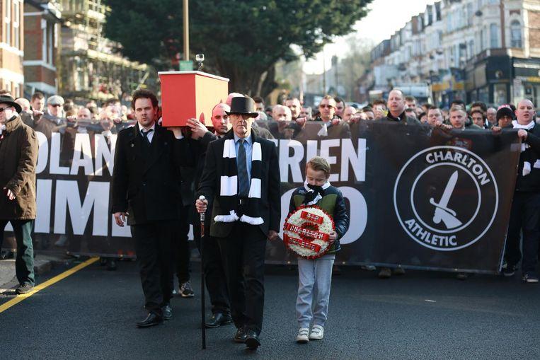 Engelse voetbalfans willen hun clubs terug uit de klauwen van 'het grote geld'. Beeld Telephoto Images