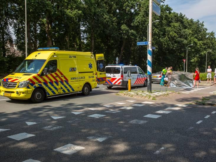 Fietsster gewond bij aanrijding door auto in Roosendaal