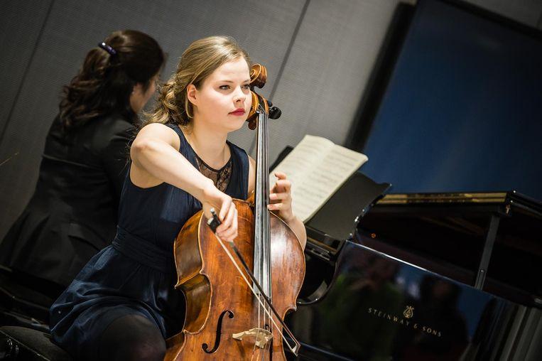 Dominique Bos speelt dit weekend op haar cello Beeld MajankaFotografie