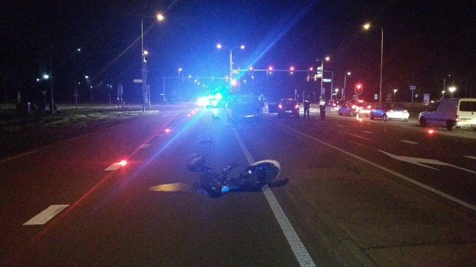 Van de scooter was na het ongeluk weinig meer over.