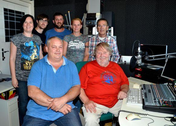 De medewerkers van Radio Oost West gooien de deuren van de studio in de Hoogweg open voor de herfsthappening.