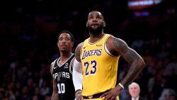 Na een briljante driepunter de grote schlemiel: basketbalgod LeBron James kent horrorstart bij Lakers