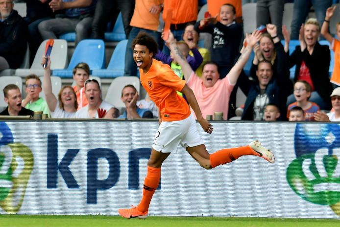 Calvin Stengs scoort voor Jong Oranje