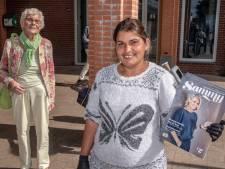 Thuisloze Aleksandra (35) verkoopt de daklozenkrant maar moet weg omdat ze zou bedelen: 'Nooit!'