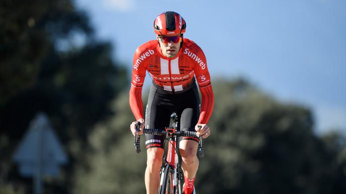 20181212 - Tom Dumoulin van team Sunweb maken een dolletje tijdens een trainingsrit in het spaanse Calpe
