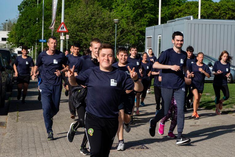 De leerlingen van Burchtse Weel trainen nog een laatste keer voor de 10 Miles.