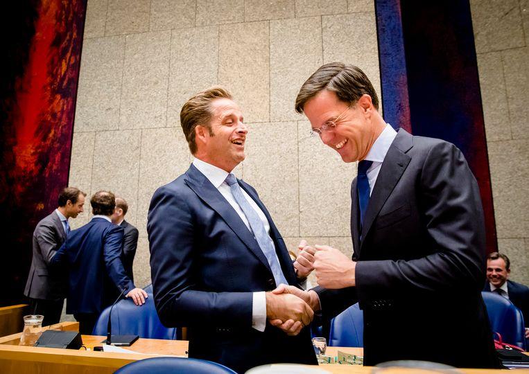 Premier Rutte (VVD) met minister De Jonge van Volksgezondheid (CDA). Beeld ANP