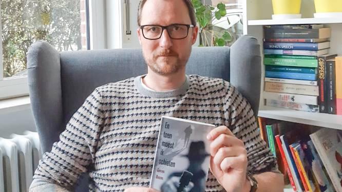 """Motoragent schrijft misdaadroman: """"Een mengeling van fictie en eigen ervaringen"""""""