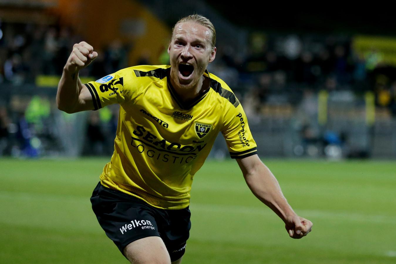 LIVE | VVV via Hupperts al na acht minuten op voorsprong tegen FC Utrecht |  Foto | AD.nl