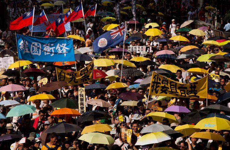 Demonstratie in Hongkong tegen de bemoeienis van Peking. Beeld epa