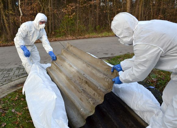 In oude golfplaten zit nog al te vaak asbest.
