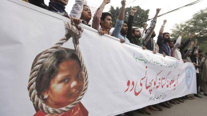 """Nederland repatrieert diplomaten vanuit Pakistan: """"Doodsbedreigingen ontvangen in zaak-Asia Bibi"""""""